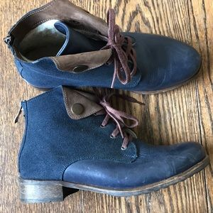 Shoes - Sheepskin-lined boots
